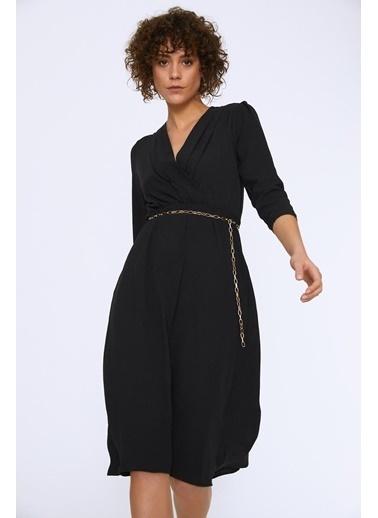Quzu Beli Zincirli Kruvaze Kapama Uzun Elbise Siyah